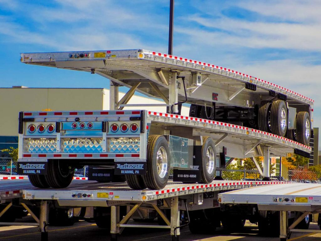 NEW 53′ REITNOUER ALUMINUM FLATBED TRAILER